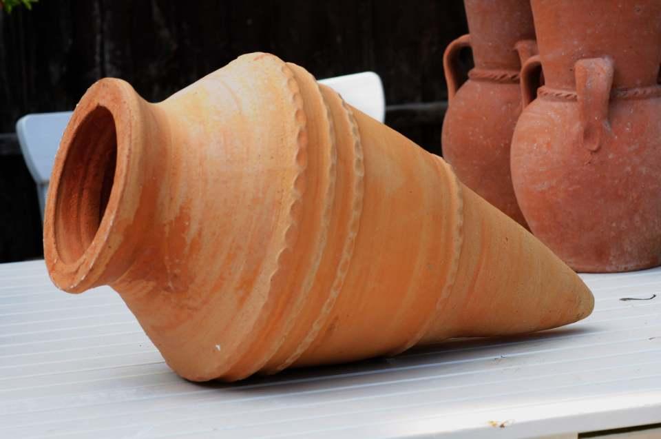 KONIKO Feature Pot – Terracotta Pot Planter from Northern Crete – Medium 58cm X 31cm – Handmade – £110.00